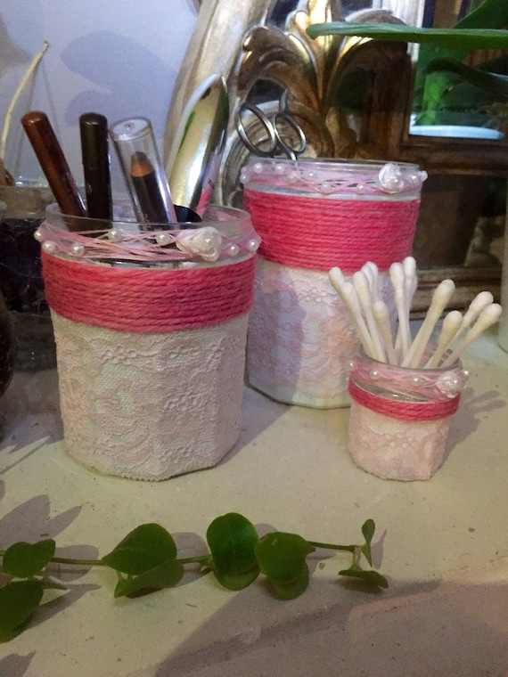 Jars in pink, to organize