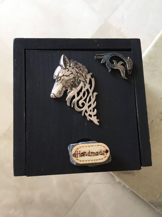 Box style Celtic Wolf runes