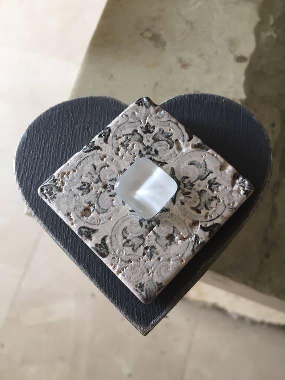 Gray heart jewelry box