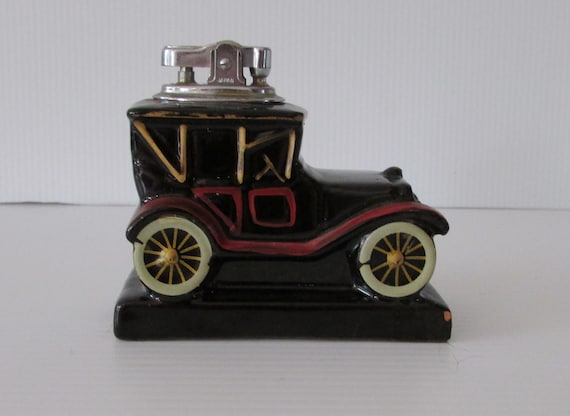Beautiful collectable CHEVROLET 1913 ceramic light