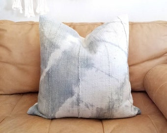 Tie dye grey/cream mudcloth pillow cover