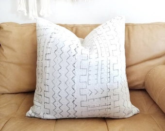 "20"" Cream w/ grey print mudcloth pillow cover"