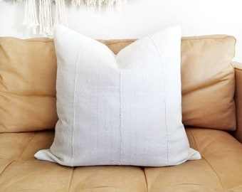 "21"" cream w/ faint light grey stripe mudcloth pillow cover"