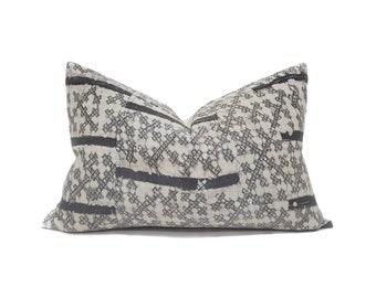 "16""×23.5"" Hmong dark charcoal grey batik hemp linen pillow cover"