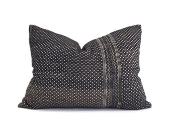 """18""""×24"""" black Chinese wedding blanket pillow cover"""
