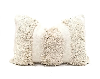 "14""×20"" cream cotton fringe pillow cover"