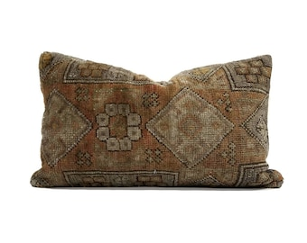 "12""×20"" Turkish rug kilim pillow"