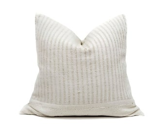 "20"" grainsack stripe+cream mudcloth pillow cover"