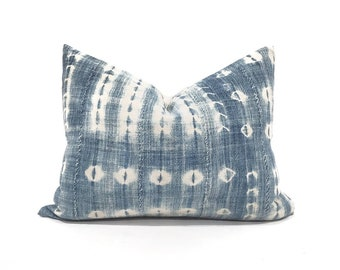 "14""×18"" indigo mudcloth pillow cover"