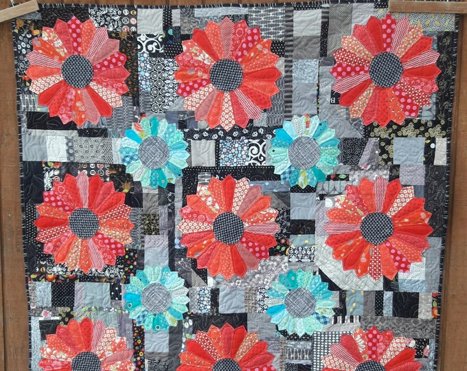 Scrappy Dresden- two sizes of Dresden plates on a pieced background pdf quilt pattern