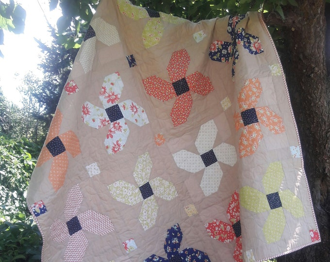 Posy Parade patchwork flower, fat quarter pdf quilt pattern
