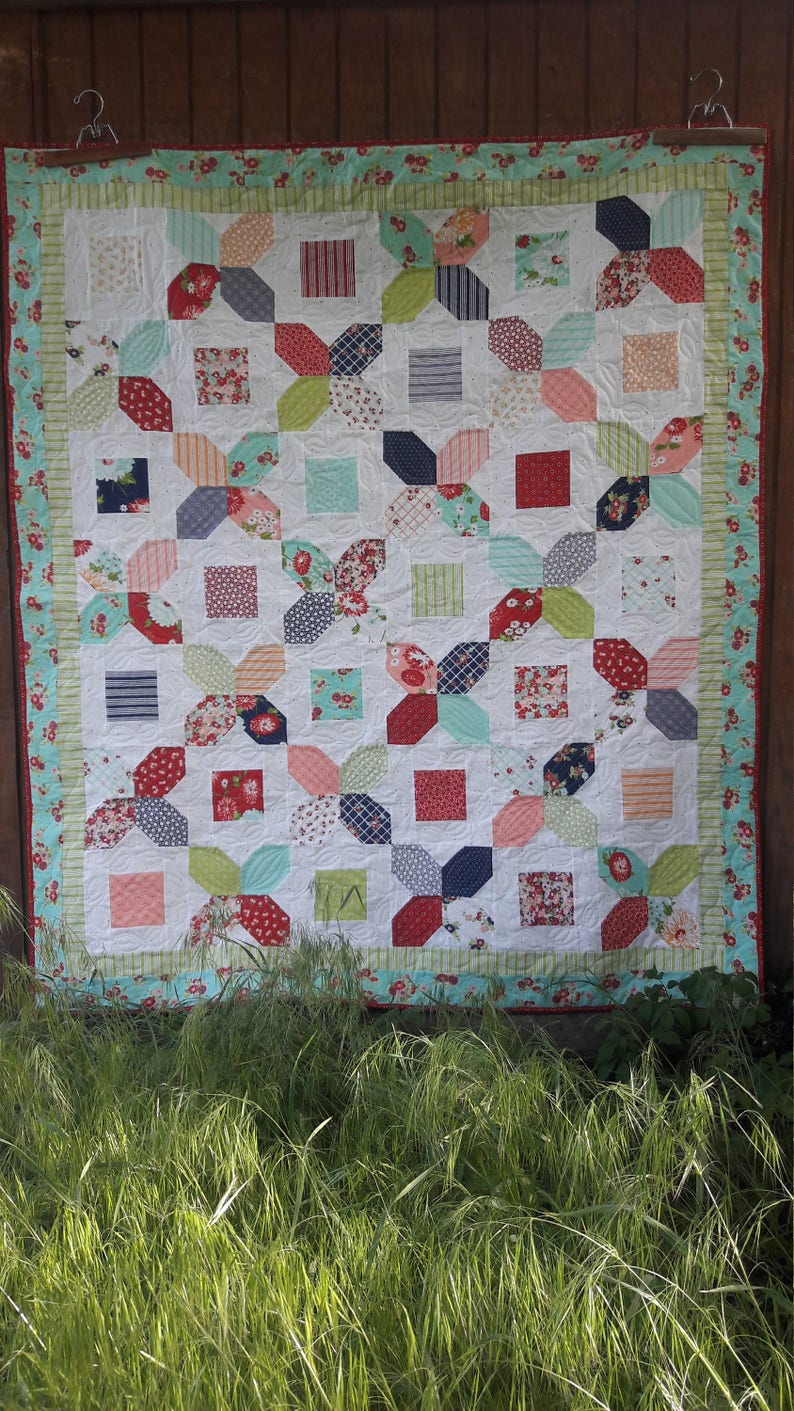 A Bushel and A Peck charm quilt pattern image 0