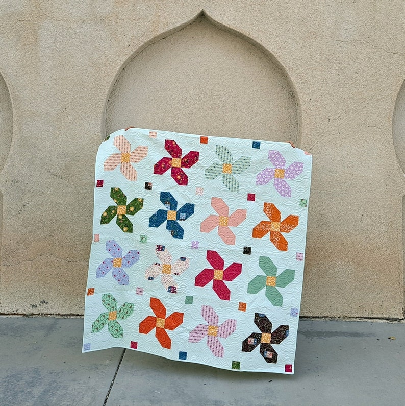 Posy Parade beginner quilt pattern image 0