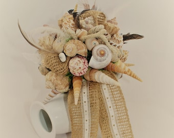 Beautiful mussel bouquet in natural colours