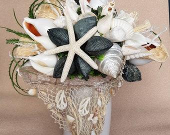 Impressive decoration - Shell bouquet... cream/ d'blue with original Büsumer fishing net