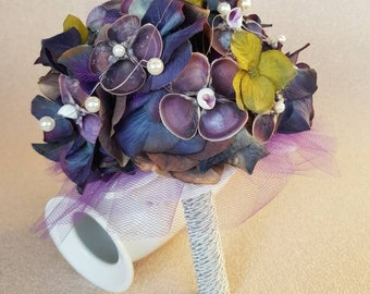 Hortensia bouquet with shell flowers and pearls/ silver wire -blue-purple-greenish, Griffarbe still selectable