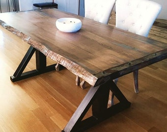 Genial Live Edge Table