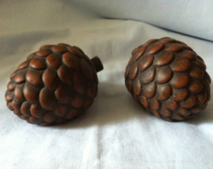 Vintage 2 Ceramic Cone Decoration object