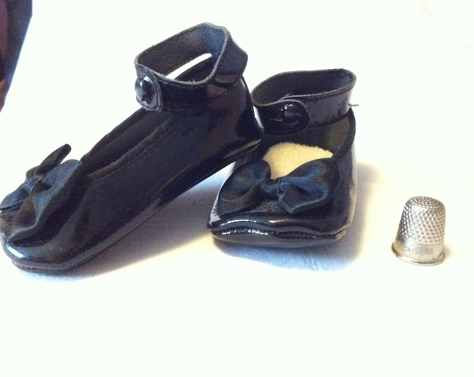 Vintage 70s Shoes Baby or Or puppet shoes black beautiful