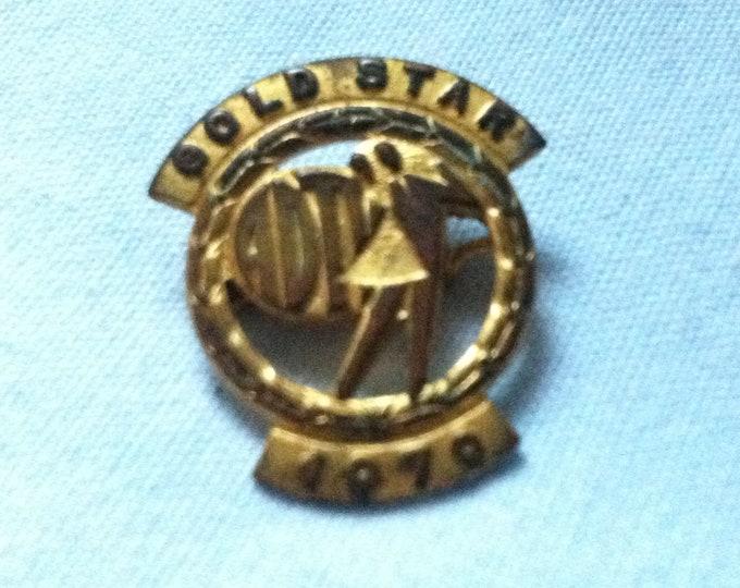 Vintage Gold Star 1970 pin badges souvenir Memory Accessories Pins