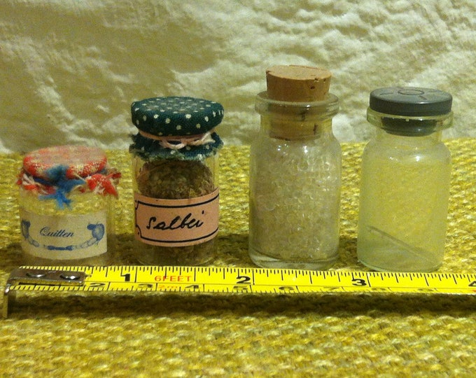 Vintage 4 Pieces Glasses jam jars accessoires dollhouse decoration miniature glass bowls bottles
