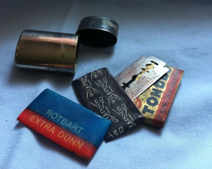 Vintage Razor blades metal storage Box