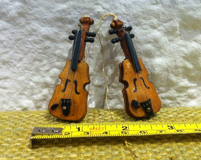Vintage violin 2 pieces dollhouse accessoires, miniatures decoration music instrument