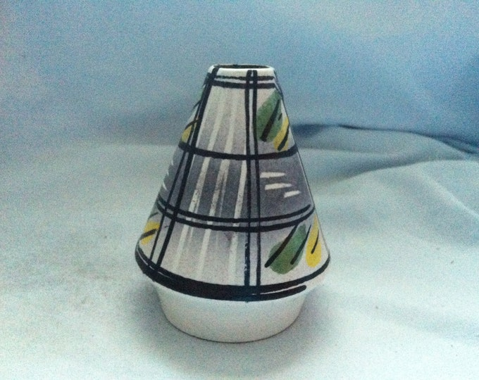 Vintage ceramic wall vase, flower decoration good condition accessoires