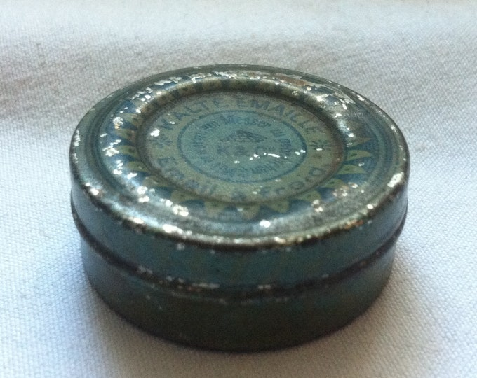 Vintage rare old small tin can, collectors cans