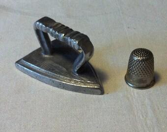 Vintage Iron Accessoires Dollouse Miniatures