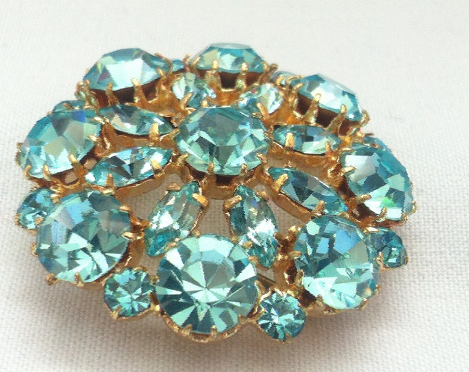 Vintage brooch badges Fashion jewelry decorative pin