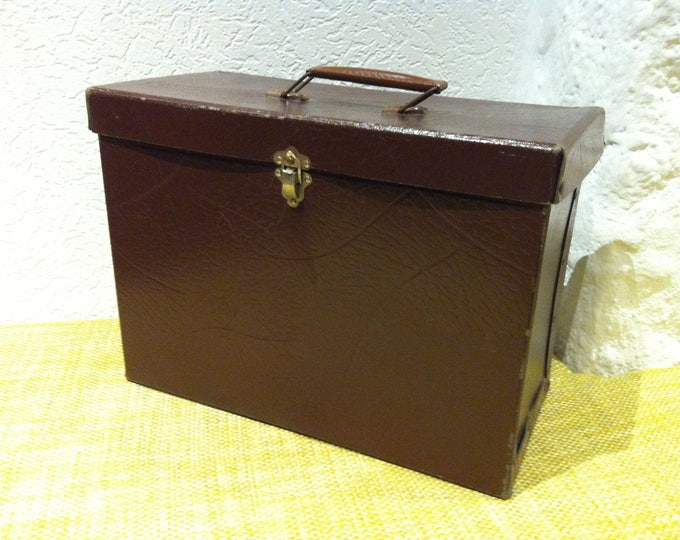 Vintage suitcase, suitcase, storage for all kinds of cardboard suitcase