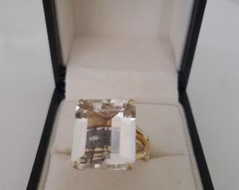 H.stern 18k gold rock crystal ring