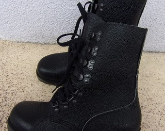 4896bf544eca Vintage Unisex Adult Boots Black Leather Combat Boots Autumn Military Style  Ankle Boots Lace Up Boots Rubber Sole Size EU 39 Made in Norway