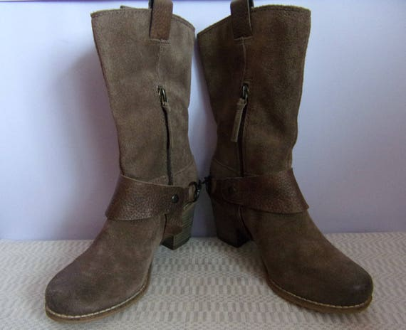 Brand CLARKS Boots/Brown Leather