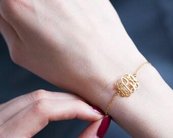 Custom Monogram Bracelet -Dainty Monogram Bracelet -3 Initials Bracelet -Custom Charm Bracelet -Bridesmaid Gift -Gift for Mom -Monogram Gift
