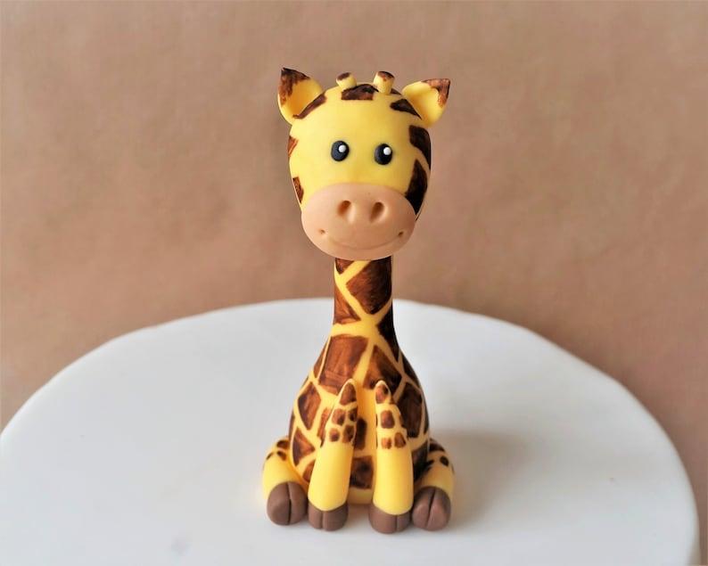 Fondant giraffe cake topper giraffe baby shower safari cake image 0