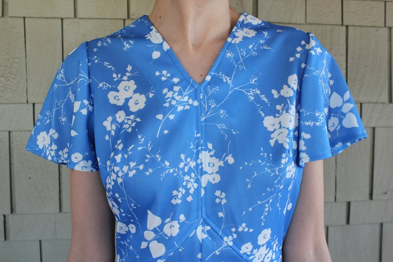 Vintage Late 70s Handmade Delicate Floral Fitted Sun Dress With Flutter Sleeves
