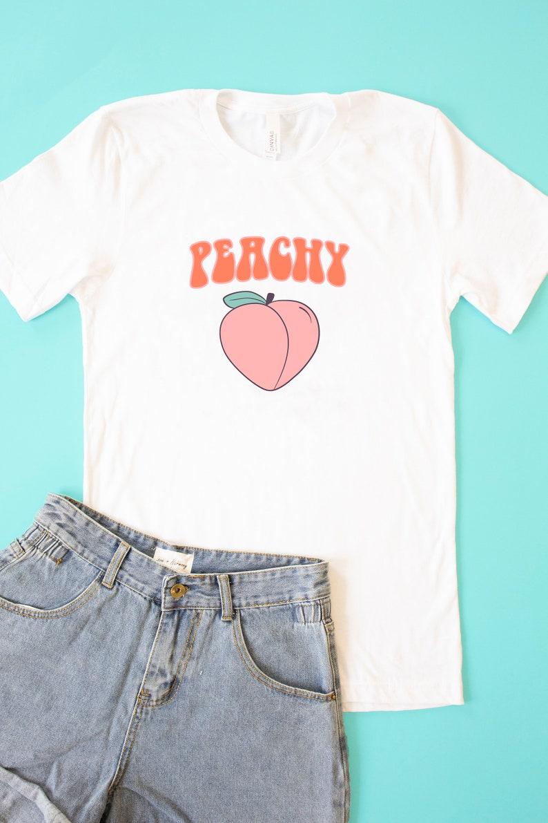 a62d45aa2f18 Peachy Graphic Tee White..Retro Tee..Vintage T-Shirt..Summer   Etsy