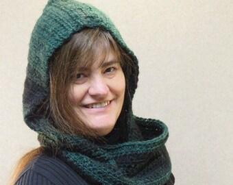 Hooded scarf/ Crochet hooded scarf/ crochet wool scarf/ green scarf/ snood/ crochet snood/ crochet scoodie/ scoodie/ green scoodie/ scarf