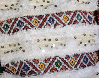 Vintage marocain blanc Handira Kilim oreiller, coussin berbère, coussin en Kilim laine Sequin, blanc Handira berbère laine coussin décoratif Tribal