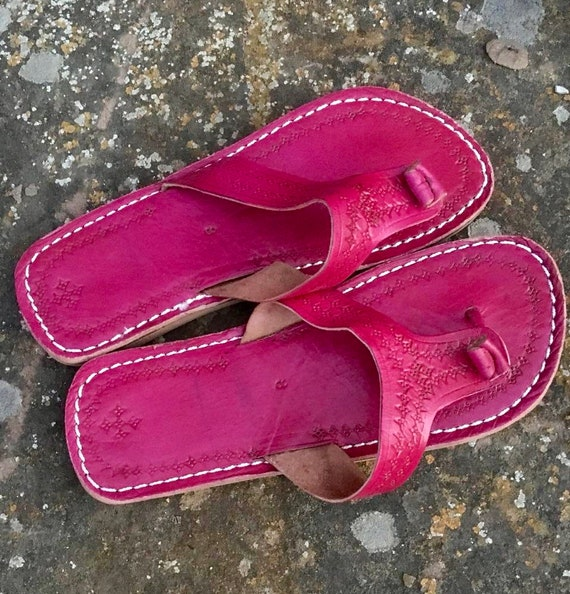 8c7f828eb03b5 Moroccan leather Thong Sandals, Handmade Leather Flip Flop Sandals, Fuchsia  Leather Sandals, Women Leather Sandals, Thong Sandals, Flip Flop