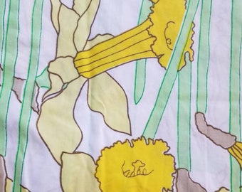 Vtg Twin Fitted Daffodil Sheet, Martex West Point-Pepperell, Yellow Floral Daffodil Sheet, Vintage Twin Fitted Sheet