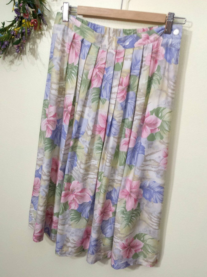df112ad1f6 Vtg 80s Pastel Pleated Midi Skirt Tropical Floral Pleat High | Etsy