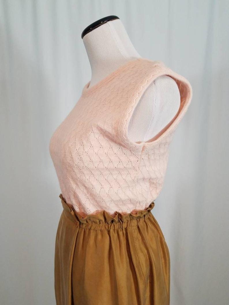 Size Small 70s Blush Pink Eyelet Knit Sleeveless Sweater Vest Blouse