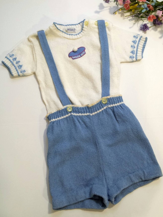 VTG des années 50 garçons tricot marin court ensemble, Summer Infant Landau, tricot enfant garçons costume, les garçons pantalon court avec bretelles, 9-12 mois