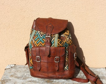 71bbc5f887d7 Vintage small leather backpack