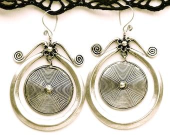 Boucles d'oreilles ethniques Luoxuan