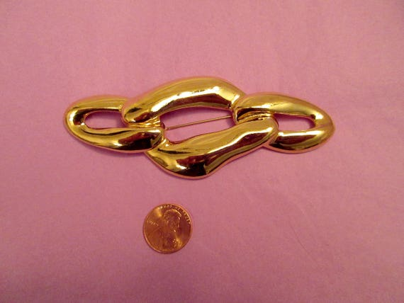 592d2c92977a6 Yves Saint Laurent YSL Gold Links Pin Brooch Signed Gold Plate