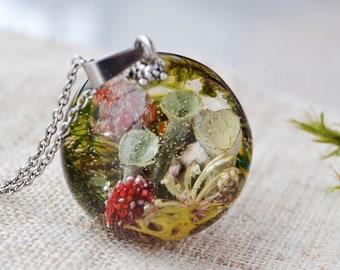 Resin jewelry Terrarium jewelry   Moss resin necklace Real flower necklace Resin terrarium jewelry Real moss necklace  Nature jewelry